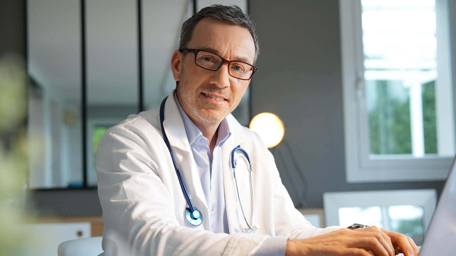 Jak usunąć e-Skierowanie - lekarz w gabinecie