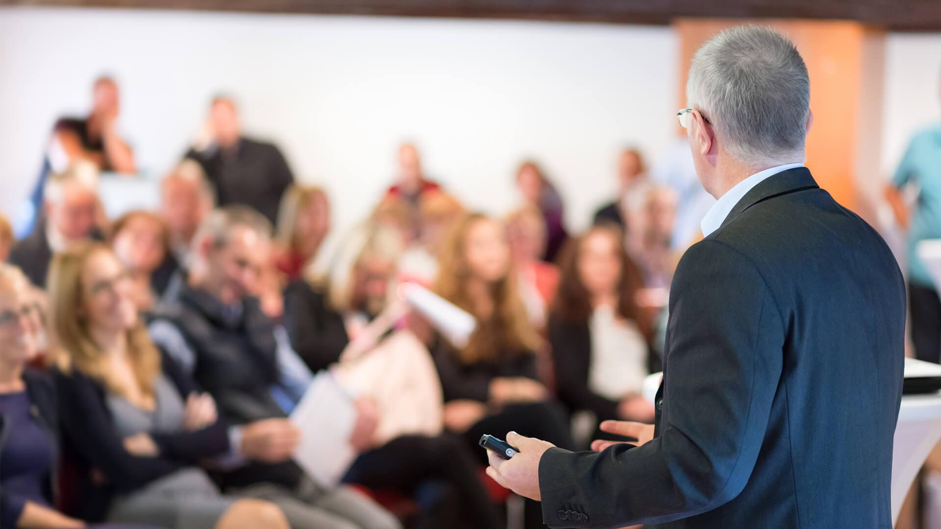 X Konferencja Asocjacji Niewydolności Serca - przedstawiciel prezentujący na konferencji
